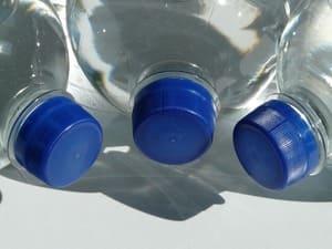 Achetez le moins de bouteilles en plastique possible