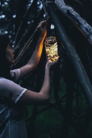 Une ancienne bougie cloche transformée en lampe