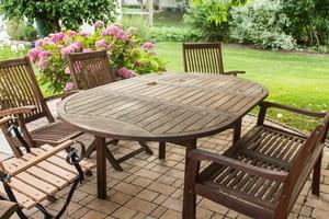 Quelques conseils simples pour rénover des meubles de jardin