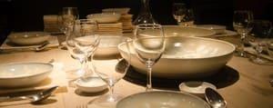 Débarrassez rapidement la vaisselle de fête, mais conservez celle qui sert au quotidien