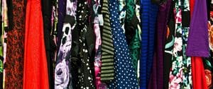 Les portants de vêtements inutilisés n'ont pas leur place dans les combles