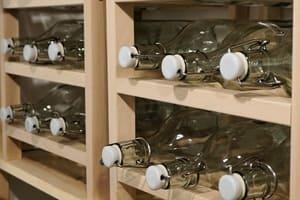 Les étagères sont aussi particulièrement utiles pour ranger les bouteilles