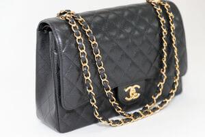 Plusieurs indices permettent d'identifier un vrai ou un faux sac Chanel