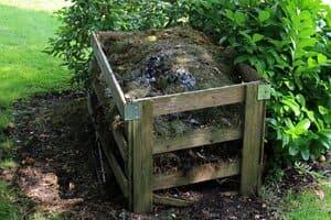 Si vous avez un jardin, rien de plus simple que d'y installer un compost