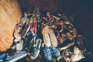 Selon la méthode 333, vous n'avez pas besoin de toutes ces chaussures