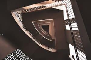 La présence d'un escalier peut compliquer le débarras