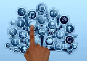 Les réseaux sociaux vous permettront de trouver de l'aide pour votre débarras